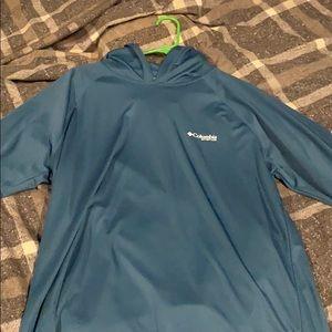 Columbia Long sleeve hooded shirt